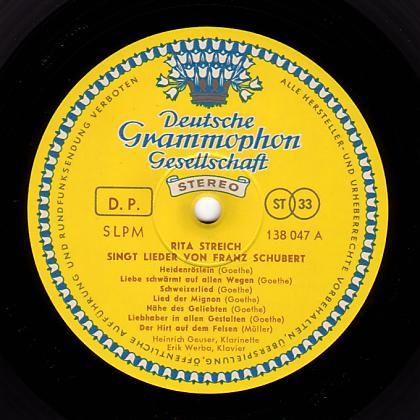 Record label of Deutsche Grammophon (German pressing).: micrographia.com/projec/projapps/viny/viny0000/dggold.htm